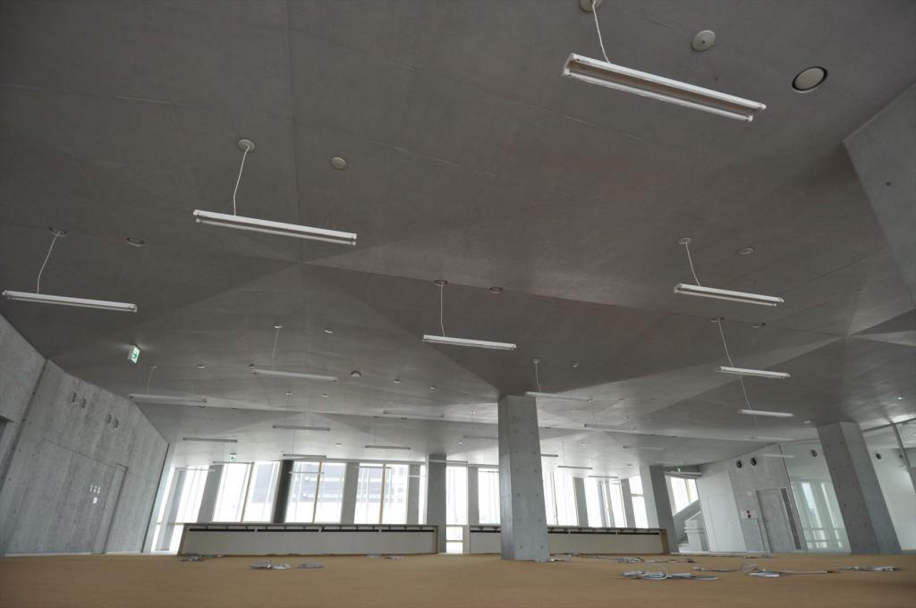 執務室天井(施工中)。