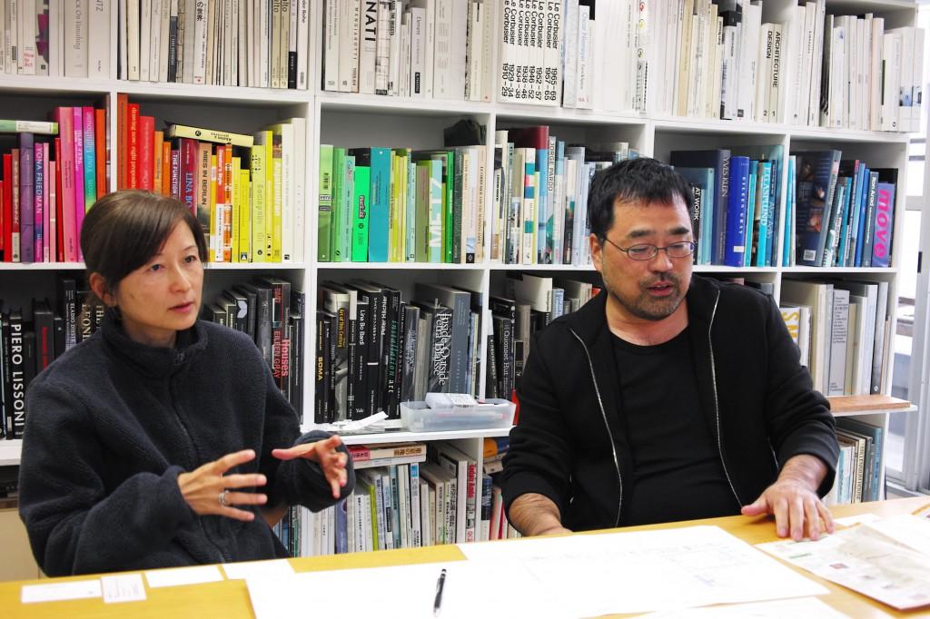 インタビューに応える川原田氏(左)。聞き手撮影。