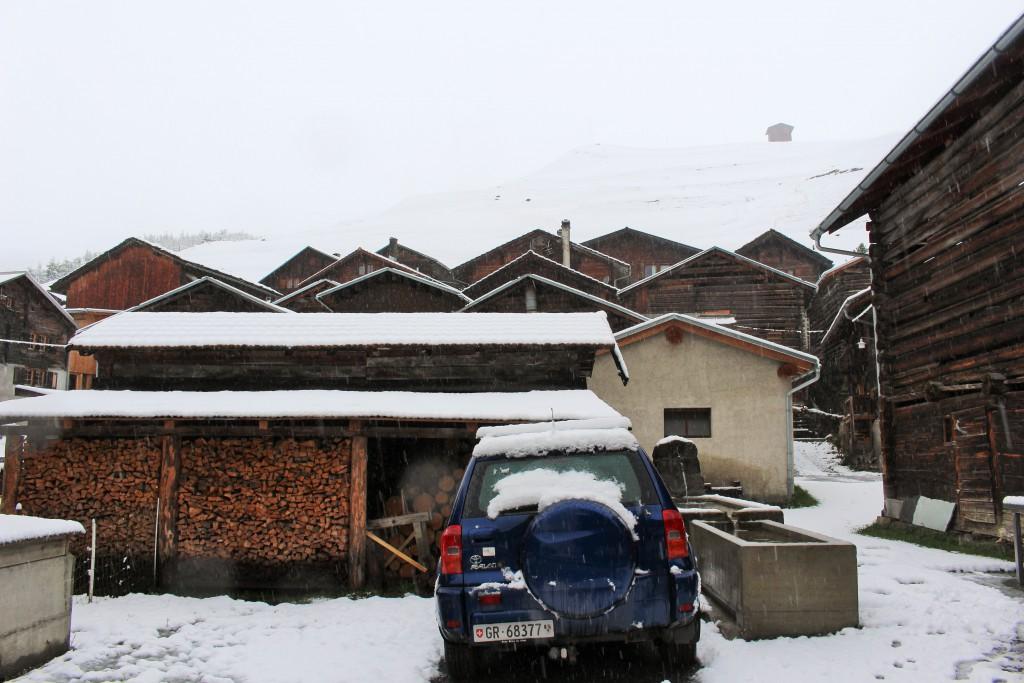 図10:フリン村の集落。かつての飛騨地方を思わせるたたずまいである。