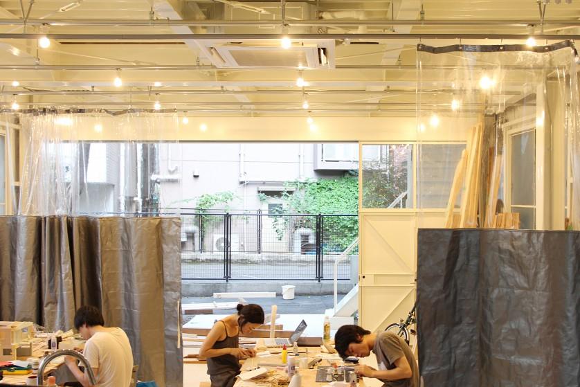 ©Yasuaki Morinaka カーテンを閉じても上部が視覚的に繋がることで、開放感を保つ