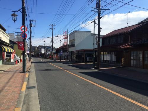 宿場町の面影をのこす青梅街道