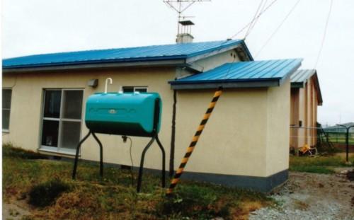 図1 液状化で基礎が破壊した戸建て住宅(1993年北海道南西沖地震、長万部町)
