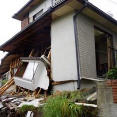 地盤変状で戸建て住宅が全壊するか?