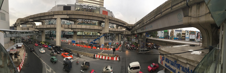 中心地ではすでにコンクリートジャングル(2016年)(筆者撮影)