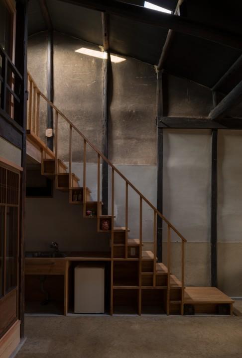fig10 土間から二階へ上がる階段