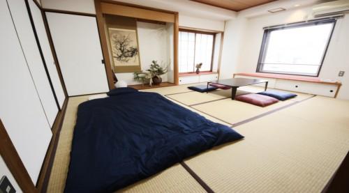和室2(華道家の作品を設置)