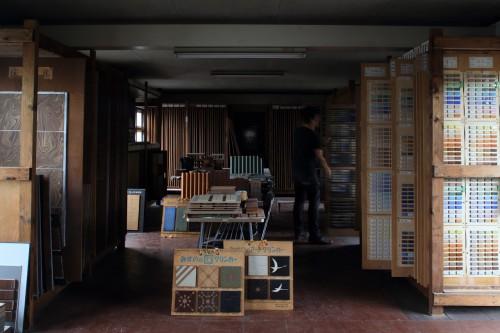 水野製陶園のサンプル室。膨大な釉薬の試験データの蓄積。